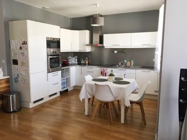 Sale apartment Lyon 4ème 299000€ - Picture 2