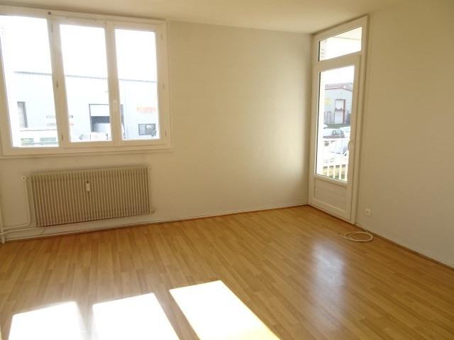 location appartement 3 pi ce s villefranche sur sa ne 60 85 m avec 2 chambres 560 euros. Black Bedroom Furniture Sets. Home Design Ideas