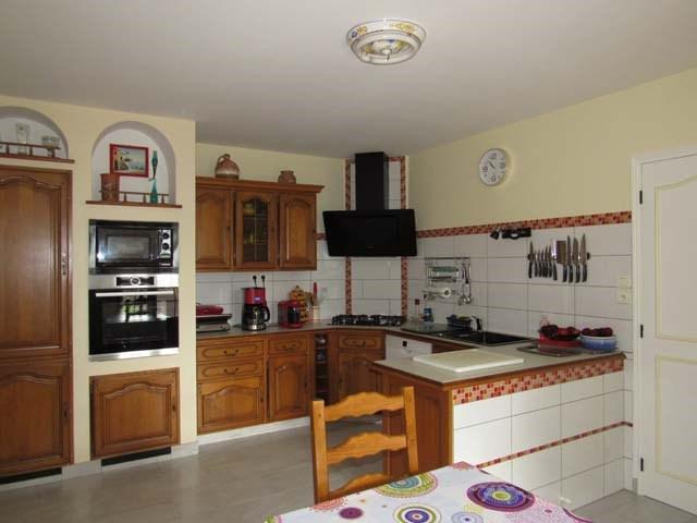 Sale house / villa Saint-jean-d'angély 201400€ - Picture 3