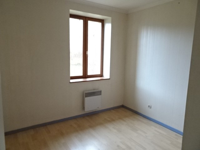 Location maison / villa Theize 907€ CC - Photo 6
