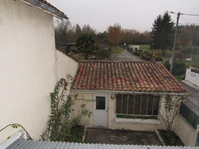 Sale house / villa Saint jean d'angely 132750€ - Picture 6