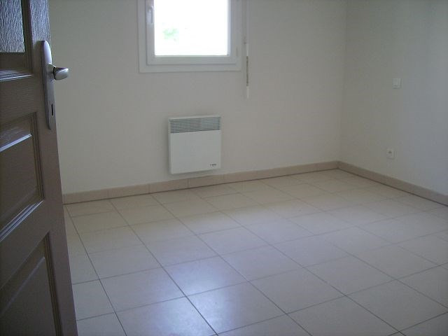 Rental apartment Cambes 608€ CC - Picture 5