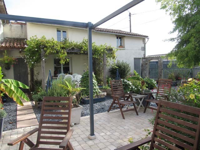 Sale house / villa Brizambourg 164 300€ - Picture 1