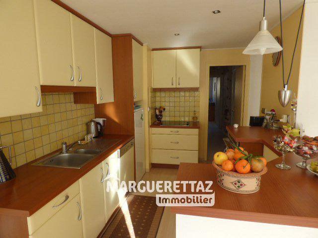 Sale apartment Bonneville 210000€ - Picture 1