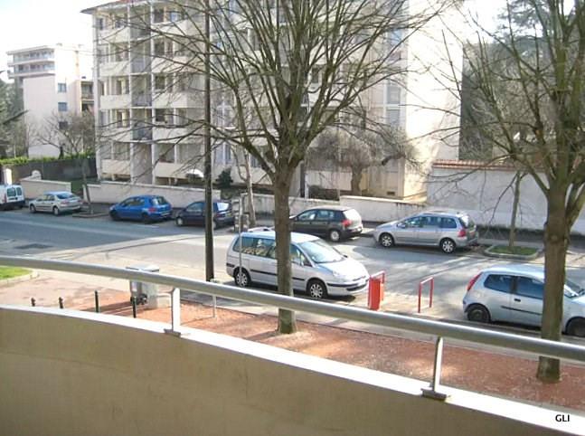 Location appartement Caluire et cuire 746€ CC - Photo 9