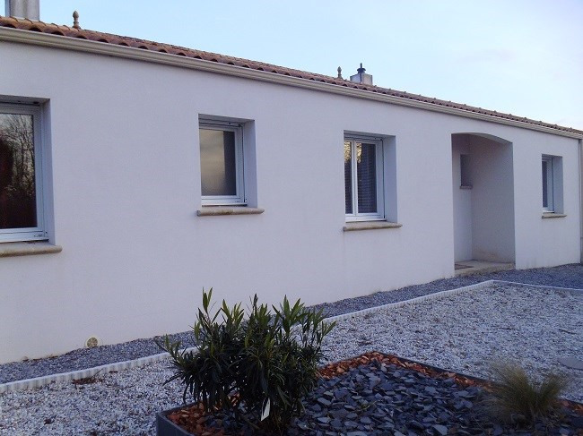 Sale house / villa Vieillevigne 219000€ - Picture 1