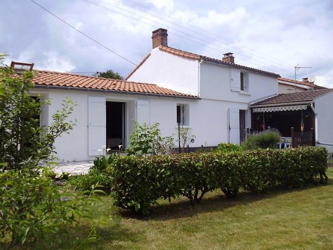 Sale house / villa Legé 147000€ - Picture 1