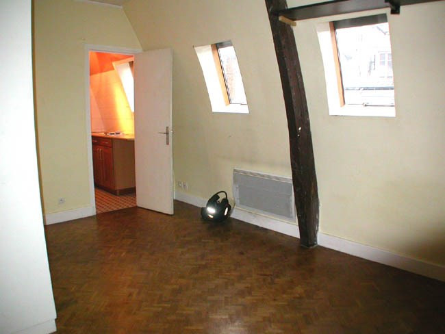 Rental apartment Paris 6ème 886€ CC - Picture 2