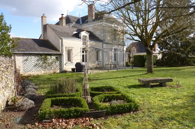 Deluxe sale house / villa Angers 445000€ - Picture 1