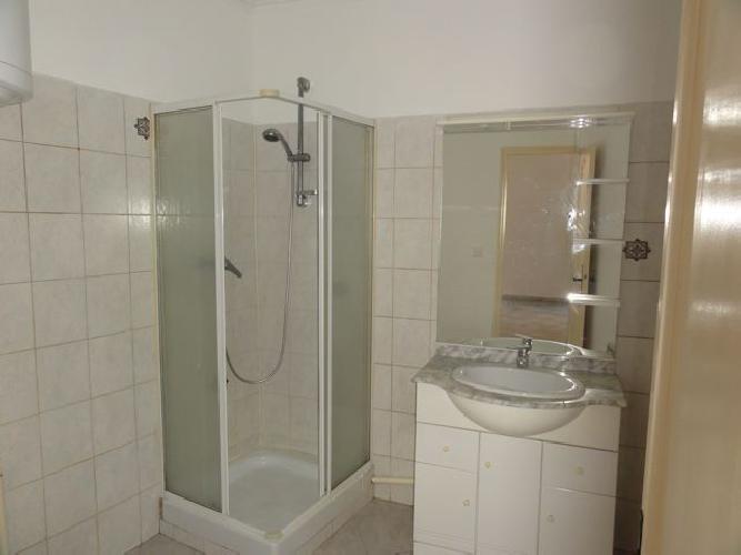 Location appartement Le beausset 440€ CC - Photo 4