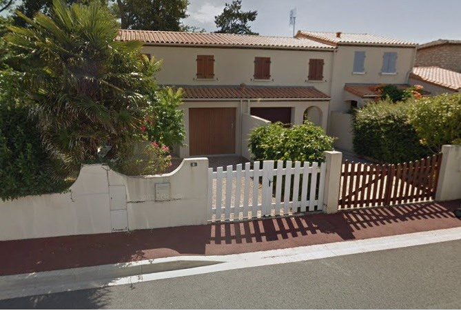 Vacation rental house / villa Vaux sur mer 647€ - Picture 1