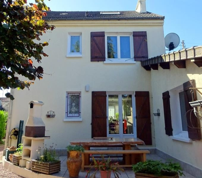 Sale house / villa Chambly 335 000€ - Picture 1
