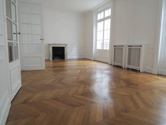 Rental apartment Paris 7ème 4500€ CC - Picture 2