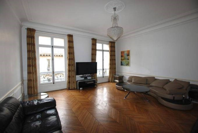 Location appartement Paris 8ème 5 240€ CC - Photo 4