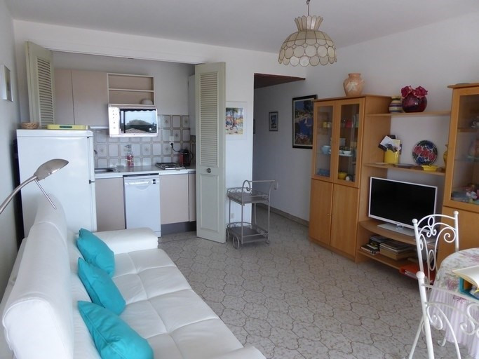 Vacation rental apartment Bandol 365€ - Picture 2