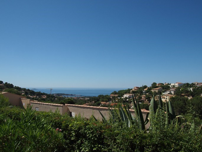 Vacation rental apartment Bandol 330€ - Picture 1