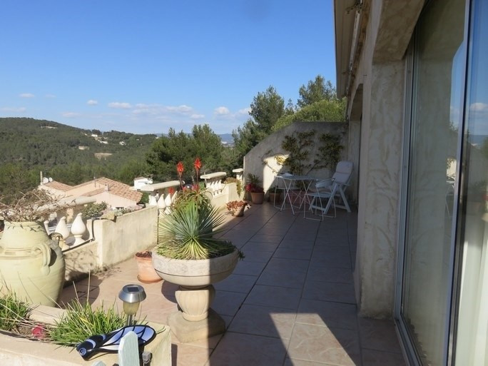 Location vacances appartement Bandol 585€ - Photo 3