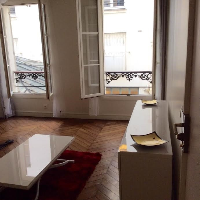 Rental apartment Paris 1er 1 745€ CC - Picture 2