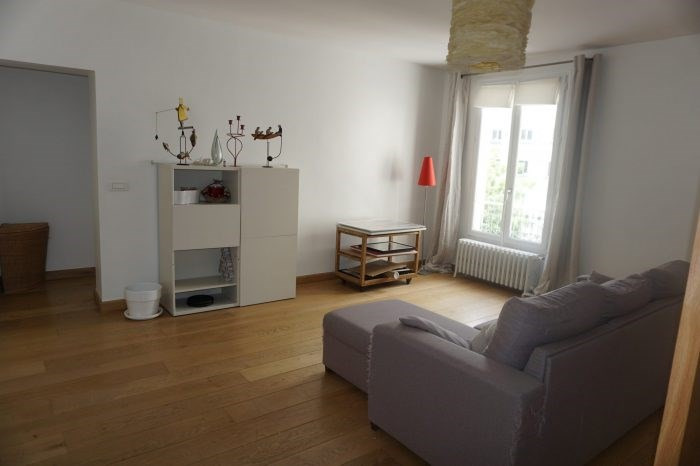 Location appartement Paris 11ème 2 370€ CC - Photo 3
