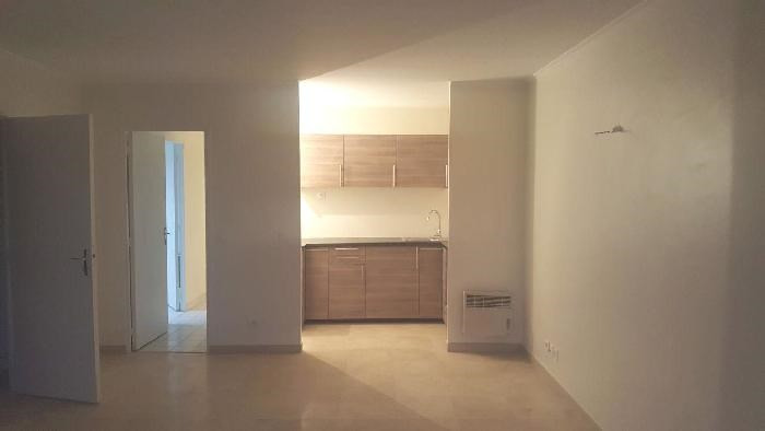 Rental apartment Livry-gargan 1 000€ CC - Picture 2