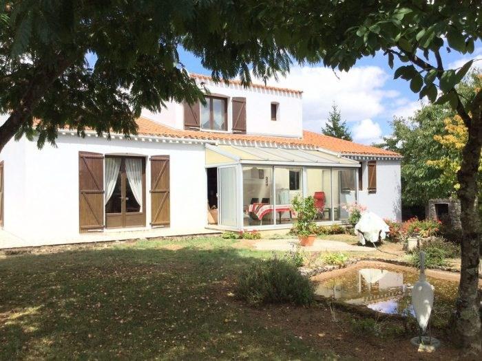 Sale house / villa Montaigu 418000€ - Picture 1