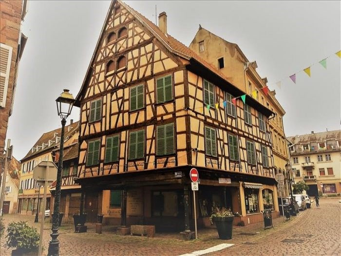 Investment property building Strasbourg 828000€ - Picture 1