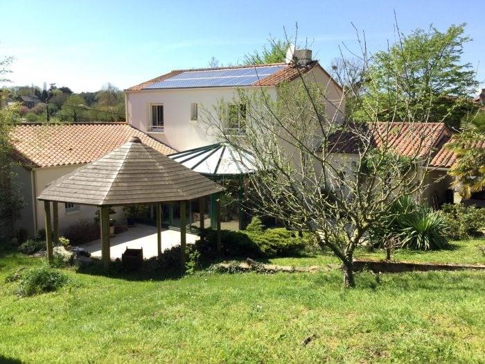 Sale house / villa Chavagnes-en-paillers 276000€ - Picture 1