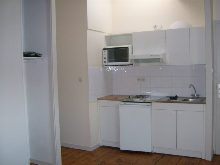Rental apartment Civrieux d'azergues 415€ CC - Picture 1