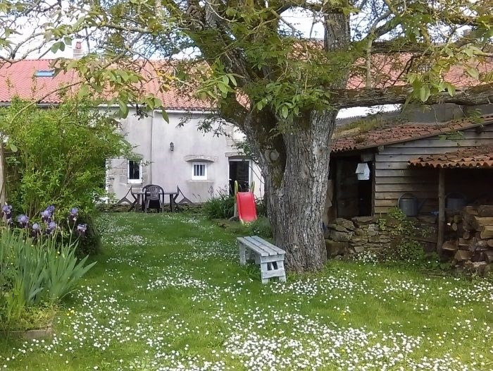 Sale house / villa Boussay 183900€ - Picture 1