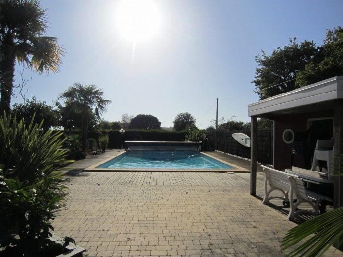 Sale house / villa Les clouzeaux 342200€ - Picture 1