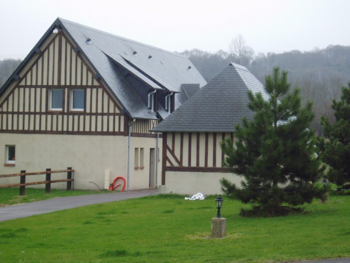Rental house / villa Pennedepie 720€ CC - Picture 1