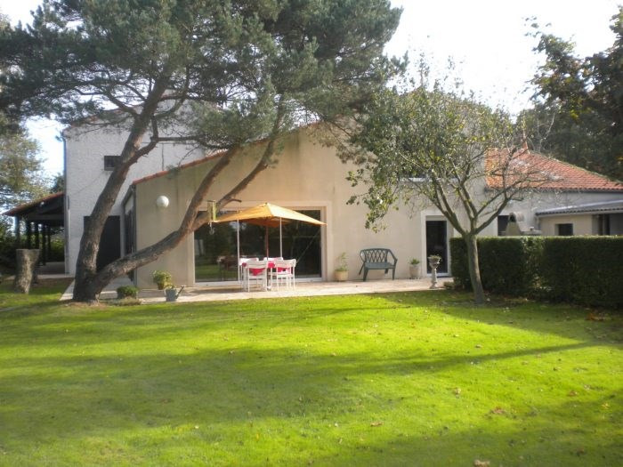 Vente de prestige maison / villa Les brouzils 399900€ - Photo 1