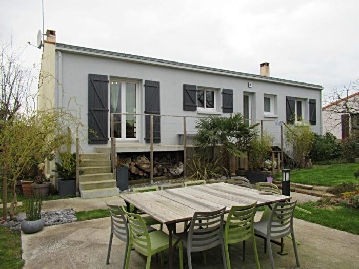 Sale house / villa Dompierre-sur-yon 183400€ - Picture 1