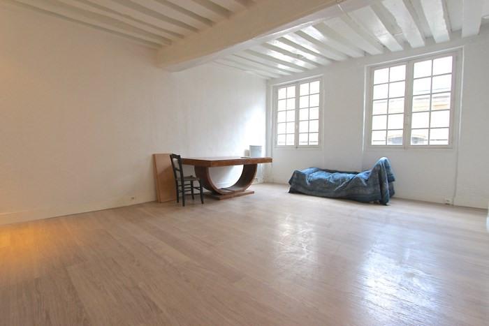 Sale apartment Paris 3ème 695000€ - Picture 1