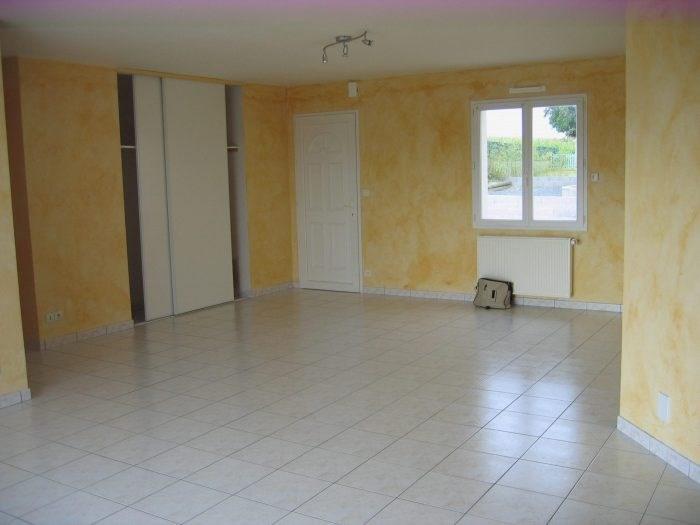 Sale house / villa Gesté 161000€ - Picture 1
