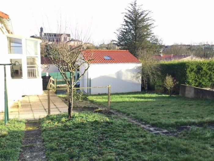 Sale house / villa Saint-georges-de-montaigu 125400€ - Picture 10