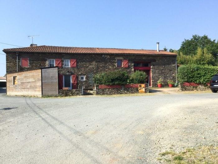 Sale house / villa Saint-georges-de-montaigu 279000€ - Picture 1