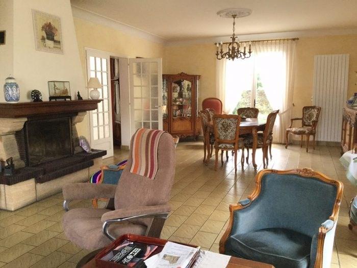 Sale house / villa Montaigu 418000€ - Picture 2