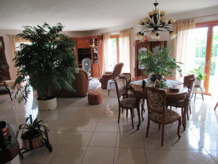 Investment property house / villa Dompierre-sur-yon 342200€ - Picture 4
