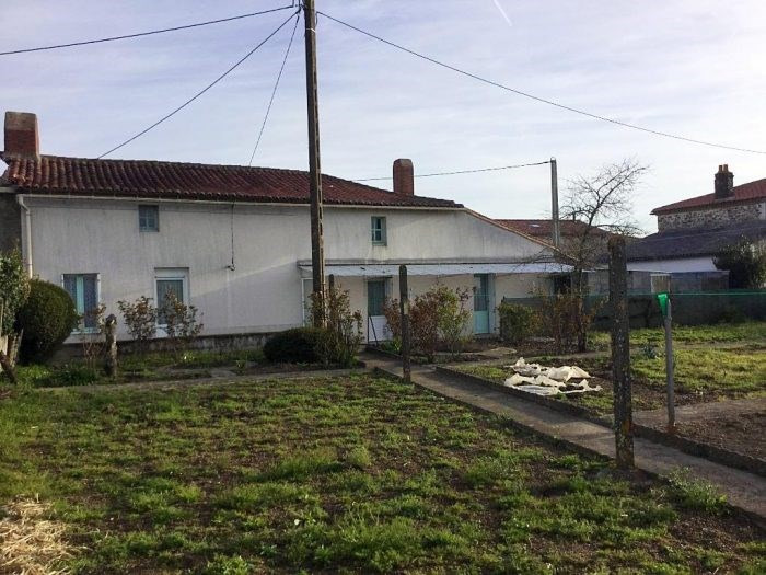 Sale house / villa Tillières 100490€ - Picture 2