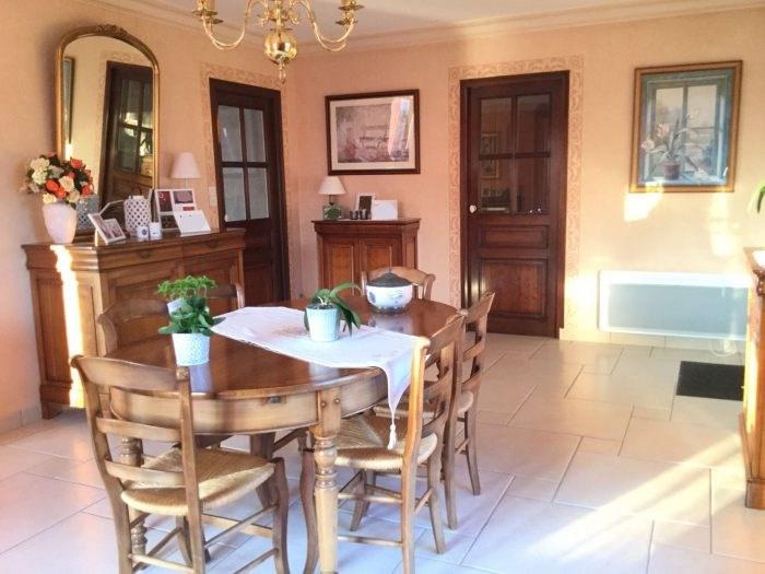 Sale house / villa Saint-georges-de-montaigu 251000€ - Picture 4