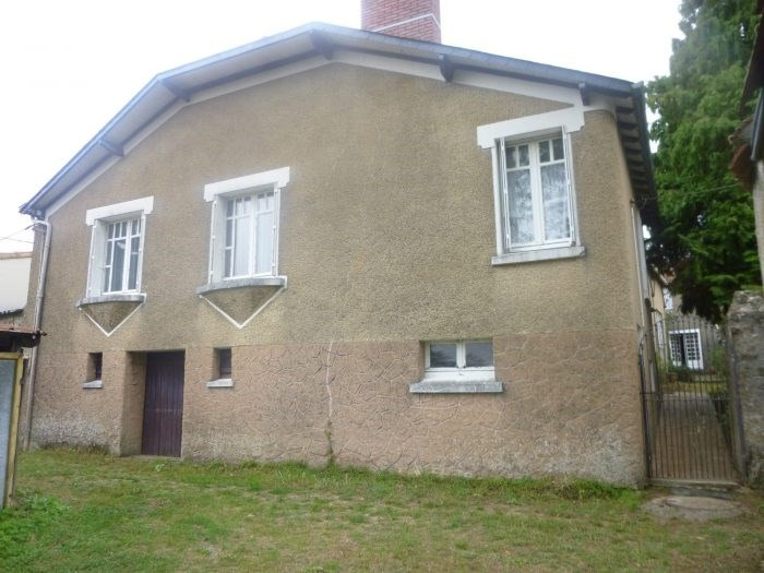 Investment property house / villa Maisdon-sur-sèvre 294 490€ - Picture 1