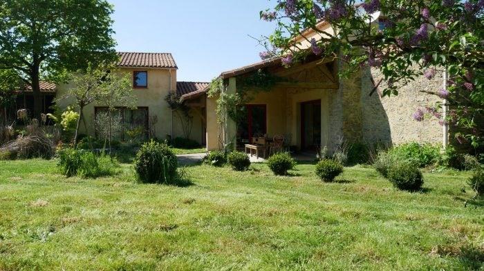 Sale house / villa La bernardiere 306000€ - Picture 1