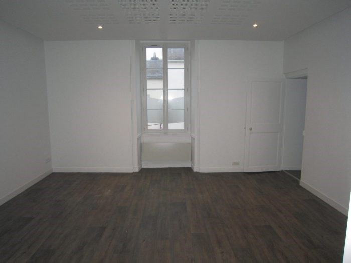 Sale apartment La roche sur yon 96 900€ - Picture 1
