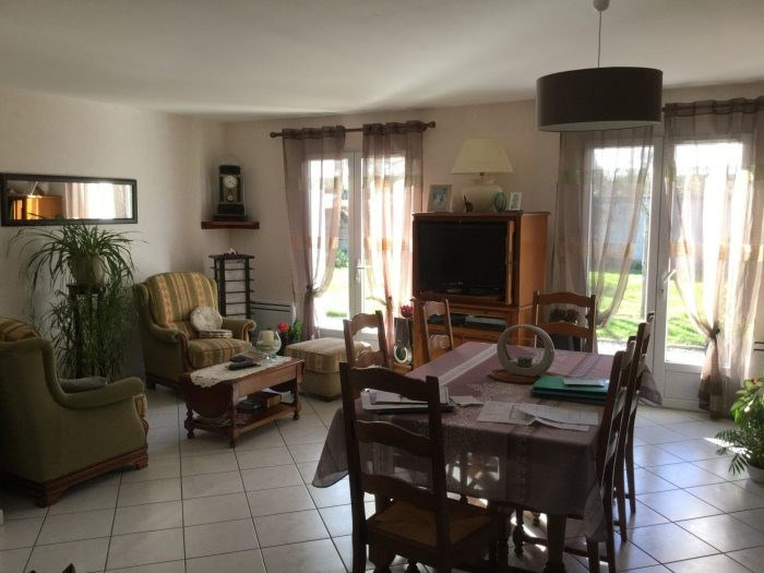 Sale house / villa Aubigny 198400€ - Picture 1