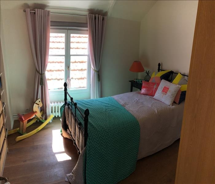 Sale house / villa Orgeval 700000€ - Picture 9