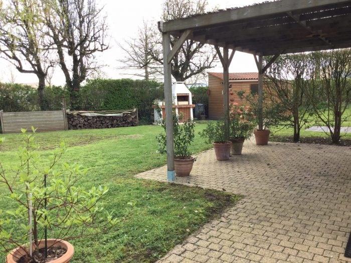 Sale house / villa Saint-georges-de-montaigu 199900€ - Picture 2