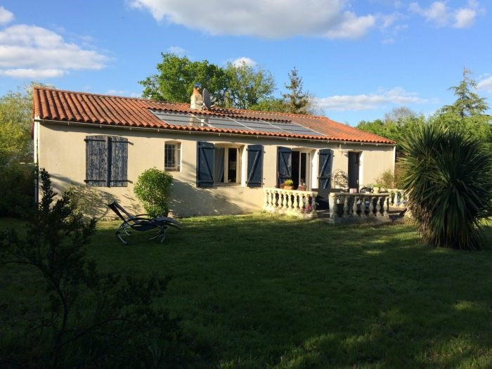 Sale house / villa Belleville-sur-vie 149900€ - Picture 1
