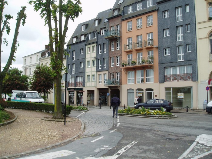 Location boutique Honfleur 850€ HT/HC - Photo 1