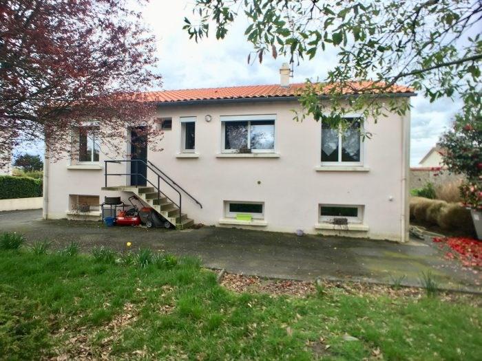 Sale house / villa La bruffière 142900€ - Picture 1